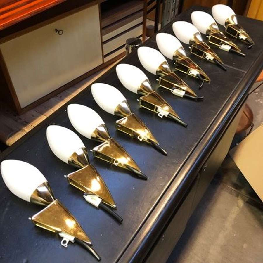 X10 PAIRS OF LATE 20TH CENTURY BRASS WALL LIGHTS